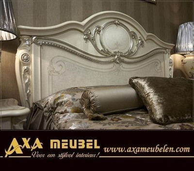 https://www.advertenties.com/gallery/400x400-0/1b2f8a/italiaanse-bedroom-tiziano-hoogglans-slaapkamers-axa-meubels.jpg