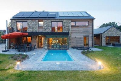 Vakantie vakantiehuis voor 16p met sauna jacuzzi en for Vakantiehuisjes met prive zwembad