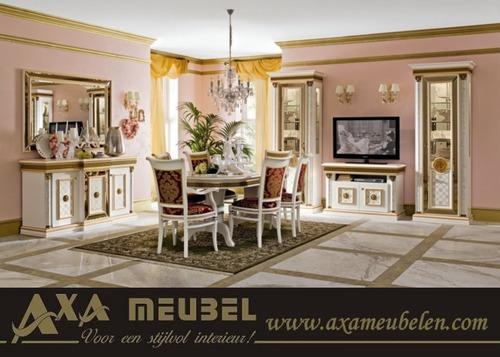 table et chaises de terrasse meubles versace. Black Bedroom Furniture Sets. Home Design Ideas